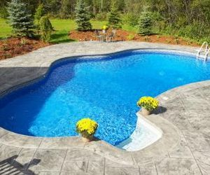 Pool Ideas for Small Yards | eHow