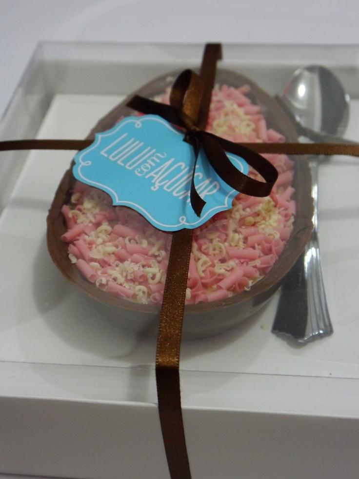 Ovo de colher de brigadeiro gourmet com chocolate belga Lulu com Açúcar
