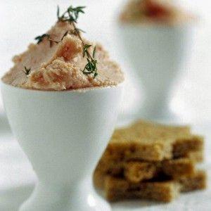 Fish roe dip (Taramosalata) - http://www.icookgreek.com/en/recipes/dishes/item/fish-roe-dip?category_id=283