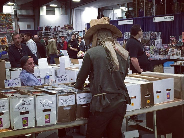 Even the #scarecrow needs a break from the #batman. #comicbooks #comics #dccomics #dc #cosplayers #ottawacomicon #comicon @ottawacomicon #ottawa #canada #heroesmanufactured #documentary