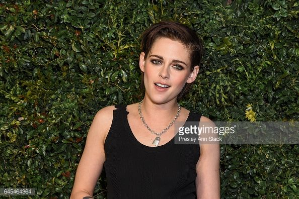 News Photo : Kristen Stewart attends Charles Finch and CHANEL...