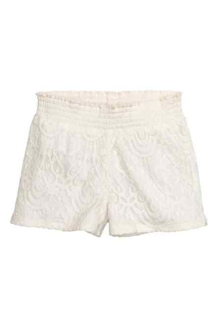 Pantaloni scurți din dantelă