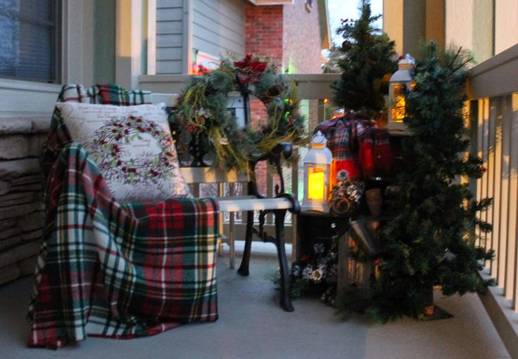 Southern Seazons Christmas Plaids On The Front Porch