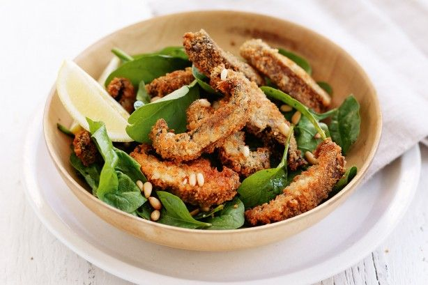 Delicious, healthy and versatile, mushrooms are the star ingredient in this light and crunchy salad.