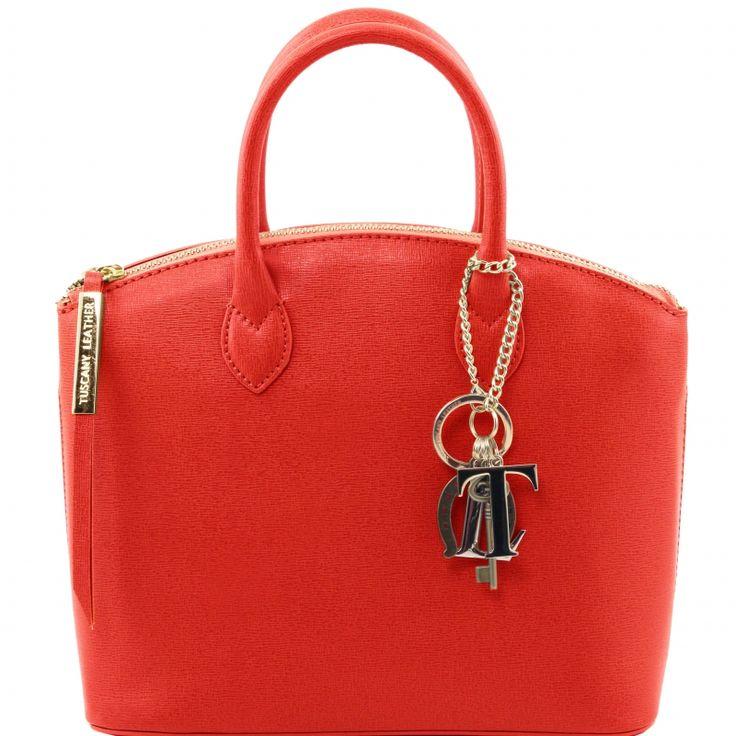 abnehmbare KeyLuck Schlüsselkette Verschluss Diese italienische saffiano leder Handtasche hat ein Metall Reissverschluss - € 83,99