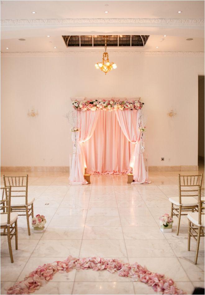 Blush pink and gold wedding ceremony decor ~ Photo: Lulu Lopez Photography ~ Flowers: Arteflora ~ Venue: Chateau Cocomar