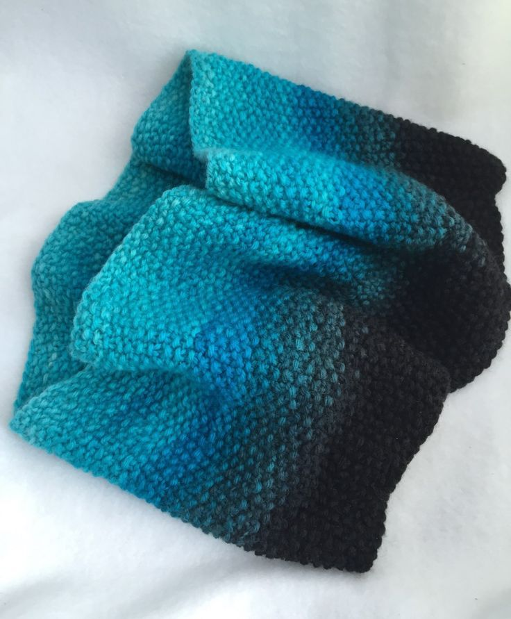 Free Pebbled Cowl Pattern http://washtenawwool.com I love this gradient!