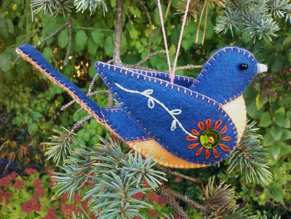 Wool Felt Bluebird Ornament Felt Bird by PatriciaWelchDesigns, $17.00 lovely folk art scandi style design,use button instead of sequins for a more shabby look
