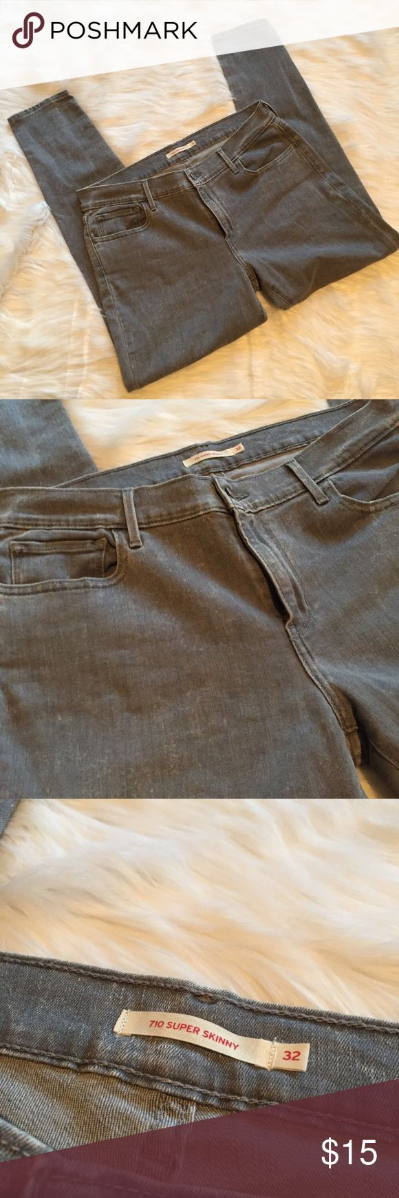 {Levi's} Super Skinny Grey Wash Denim Used in excellent condition. No Trades / No PayPal /  Smoke-Free Home / Ask Questions! / No Model Requests Please / Like what you see but dont like the price? MAKE ME AN OFFER! Levi's Jeans Skinny