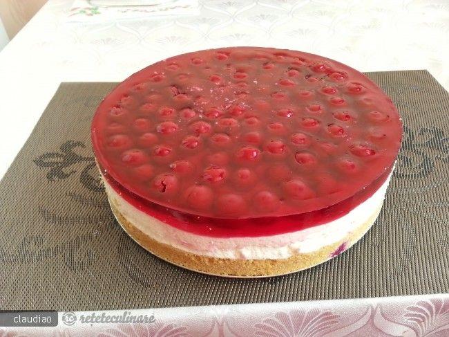 cheesecake cu visine fara coacere 109532.jpg