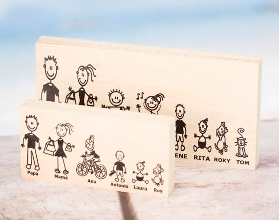 Madera personalizada con los miembros de la familia