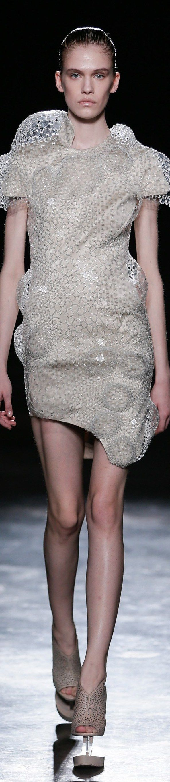 Iris van Herpen - FALL 2016 READY-TO-WEAR