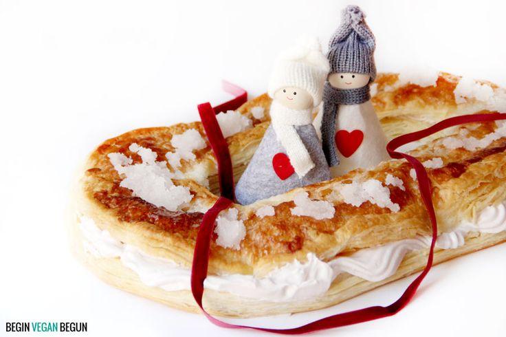 Roscón de reyes vegano fácil de hacer, solo necesitas 3 ingredientes y media hora para darte un capricho estas navidades ¡anímate a probarlo!