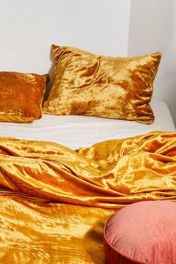 Skye Velvet Duvet Cover In 2021 Velvet Duvet Duvet Covers Urban Outfitters Bed Linens Luxury