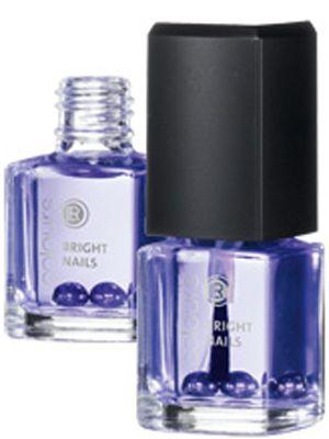 Bright Nails.  • Optisk direkt-hjälp! • Lösningen vid missfärgade, matta och gula naglar • Ger ett naturligt, fräscht utseende • För härligt glansiga och sunda naglar  • Transparent-violett lack gör nageln optiskt ljusare • Färgen är transparent, högblank och ger en naturlig färg till nageln  99:-  Fri frakt.