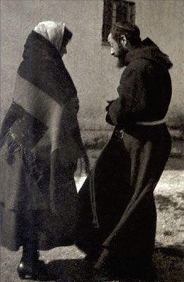Padre Pio conversa con una sua figlia spirituale