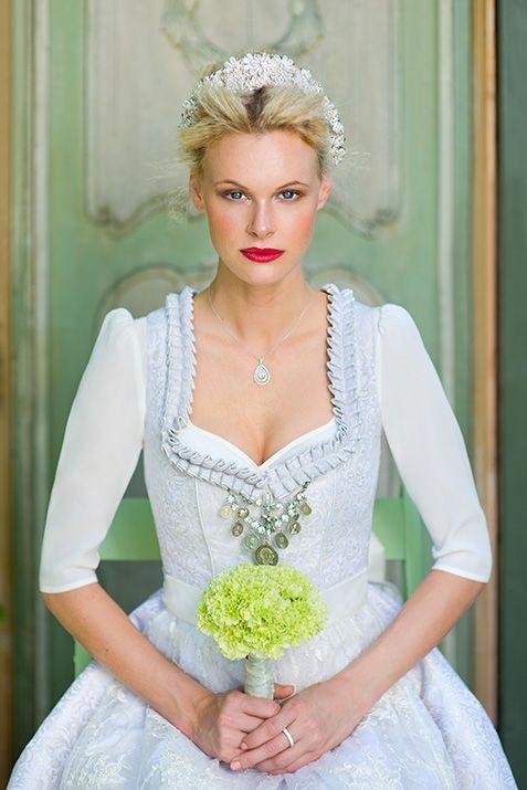 silk & pearls / Trachtenmode & Designerdirndl