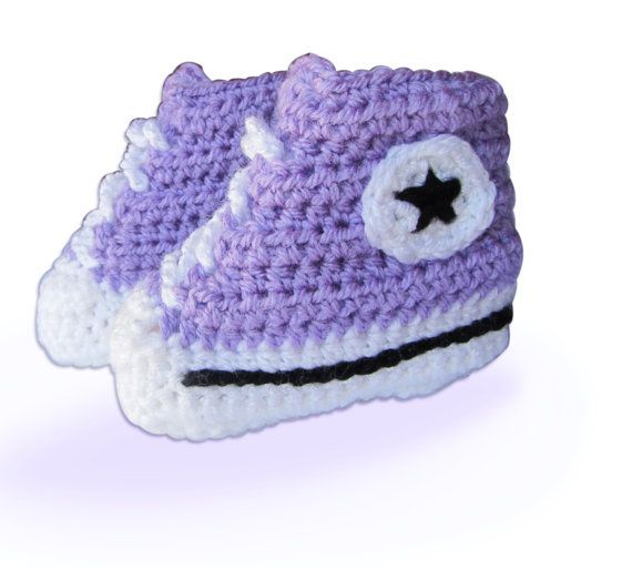 Lila Converse - the perfact baby sport shoes gift