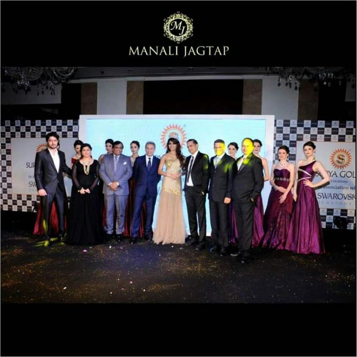An Eventful Show !!! http://mtinews.in/%E2%80%8Bmanali-jagtap-presented-her-exquisite-collection-of-cocktail-gowns-for-surya-golds-jewellers-parvathy-omanakuttan-as-the-showstopper/ http://nrinews24x7.com/manali-jagtap-presented-her-exquisite-collection-of-cocktail-gowns/ #manalijagtap#manalijagtapshoor#fashion#jewelry#gowns#showstopper#celebritydesigner#silkgowns#delhi#show