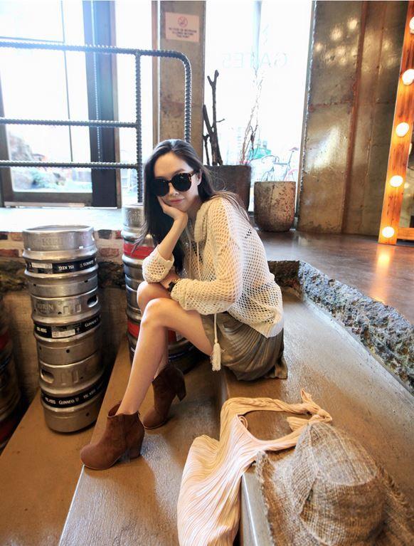 Korea feminine clothing Store [SOIR] Pleats skirt and trousers   / Size : Free / Price : 38.54USD #korea #fashion #style #fashionshop #soir #feminine #special #lovely #luxury #skirt #pants #shorts #black #khaki