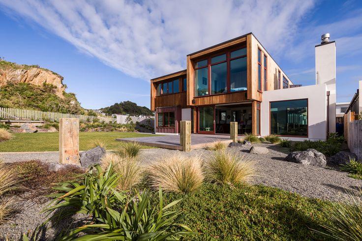 David Reid Homes 2015 Executive Home | Vertical Cedar Shiplap, Copper + Plaster Render