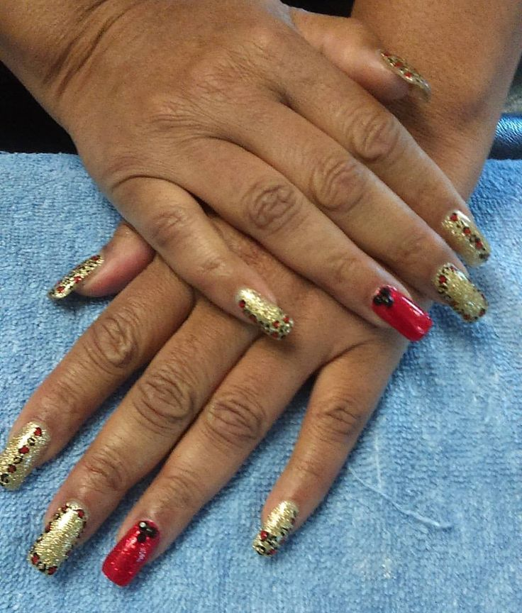 1000 Ideas About Gold Acrylic Nails On Pinterest