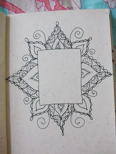 "zentangles-check out this link-an incredible catalogue of designs for framing a rectangle. I could not read it (it""s not in English)  but hey, a picture is worth a thousand words!"