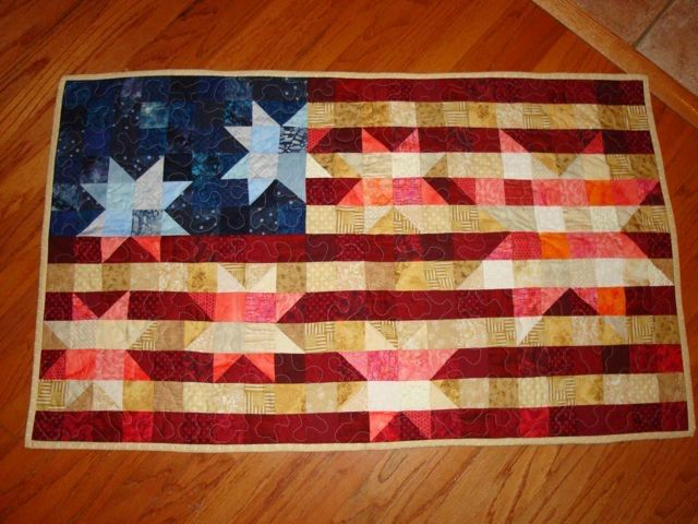 American Flag Quilt/ Wall hanging by SarahQCreates on Etsy https://www.etsy.com/listing/53095727/american-flag-quilt-wall-hanging