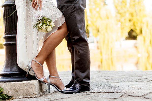 Scarpe colore argento per un tocco di colore al look sposa!