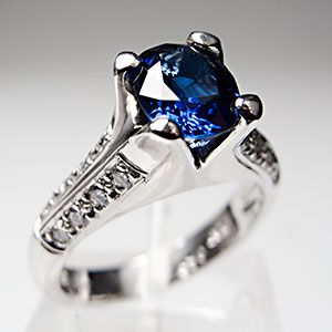 Once again, Bergio delivers timeless elegance with a contemporary edge. Berge Abajian, CEO and Head Designer of Bergio, strives to envision the woman who will one day wear his rings. Class, sophistication, and elegance are her constant companions. Her style is uniquely hers, and she is just as likely to choose a romantic blue sapphire as a traditional white diamond for her engagement ring.