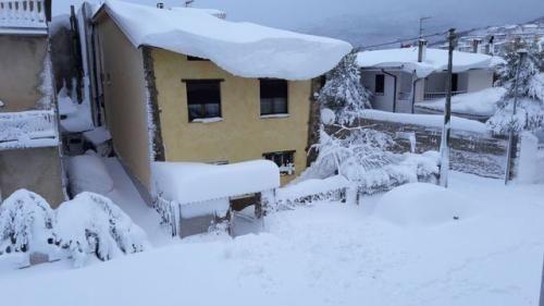 Clima: #Sardegna #centrale #situazione grave. Spazzaneve bloccati. Questo è meteo estremo (link: http://ift.tt/2jzrZrW )