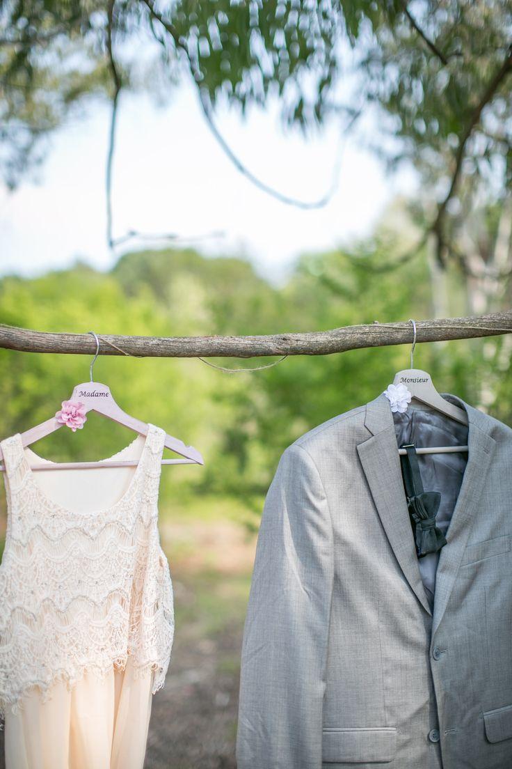 et rose pour robe de mariée et costume de marié. Mariage originale ...
