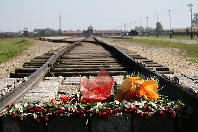 Dia 27 de janeiro, sexta-feira passada, foi o dia instituído pela ONU para a lembrança das vítimas do Holocausto.