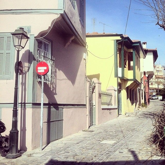 Irodotou Street, right outside the Byzantine church of Agios Nikolaos Orfanos. (Walking Thessaloniki, Route 09 - Upper Town A)