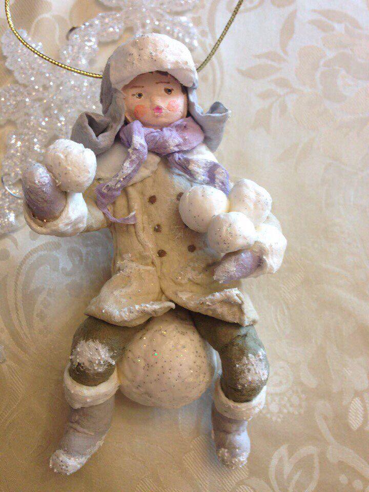 Мальчик на снежном шаре. Серия Снежный городок. AnnetteDecor
