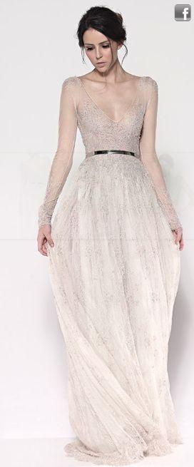 En Riomar fotógrafos nos gusta este vestido de novia de Paolo Sebastian http://riomarfotografosdeboda.com