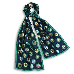 OFFICIAL VINTAGE BADGE DESIGN SCARFThe wearing of uniforms unites us as Girl Scouts. For adult members, the official uniform is navy blue business attire worn with a scarf and membership pins for women and a tie for men.