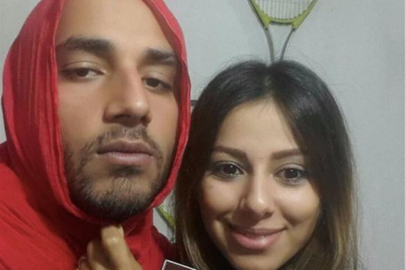 Mannen in Iran dragen hijabs uit solidariteit met hun vrouwen