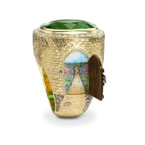 The detail is amazing in Theo Fennell's Secret Garden ring