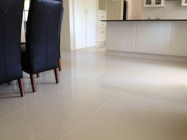 Floor: 600 x 600mm Super White Glazed porcelain #315329