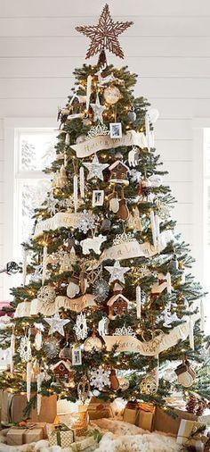 Rustic Christmas Tree #rustic #christmas