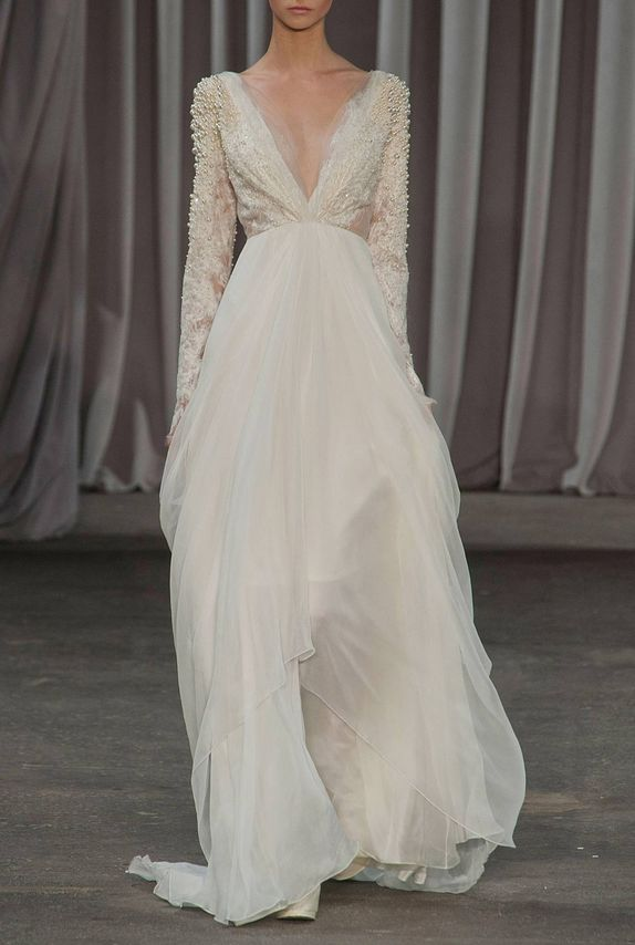 Me encanta este vestido de #novia con mangas largas / I love this #wedding dress with long sleeves