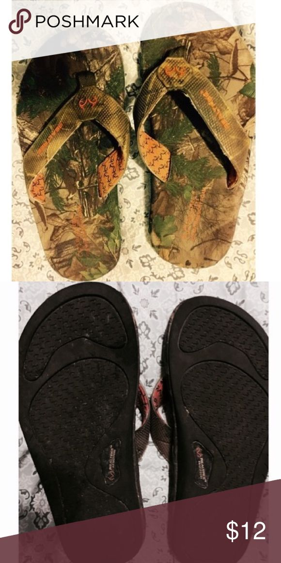 Realtree camo boys flip flops Camo flip flops size 4, have been worn some but still have tons of life left!! Realtree Shoes Sandals & Flip Flops