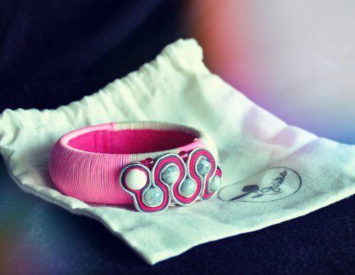 *Ružový had