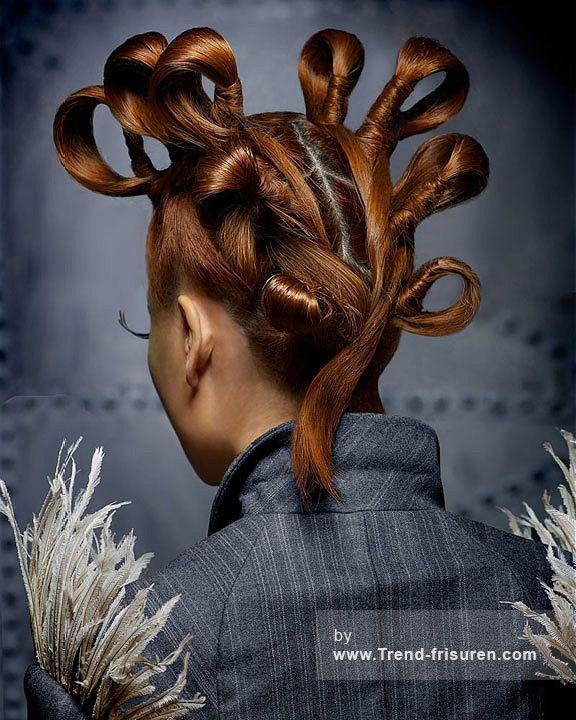 STEVEN CAREY Lange Braun weiblich Gerade Komisch Curls Avant Garde Frauen Ethnische Frisuren  hairstyles