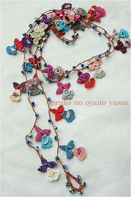 Crochet.. collar de  flores..