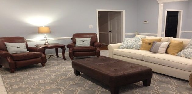 Mixing And Matching Leather And Fabric Sofa And Loveseat