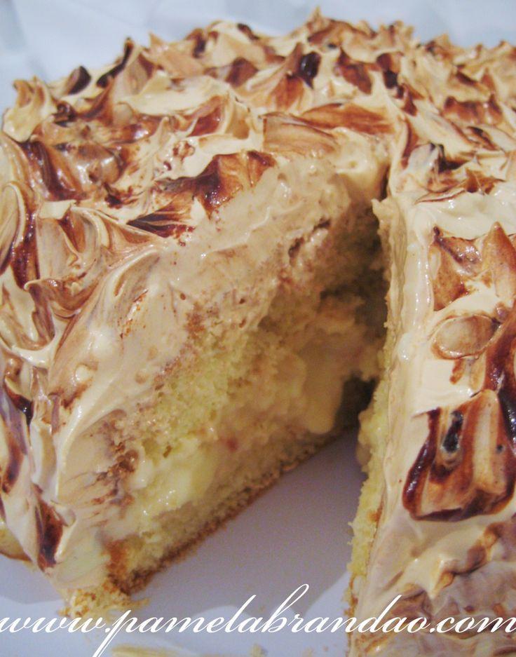 Este bolo eu vi semana passado no blog da querida Marly, e como ela postou umas fotos lindas deste bolinho e me deu uma aula particular de como fazer tudo certinho, corri para fazer o mais rápido p...