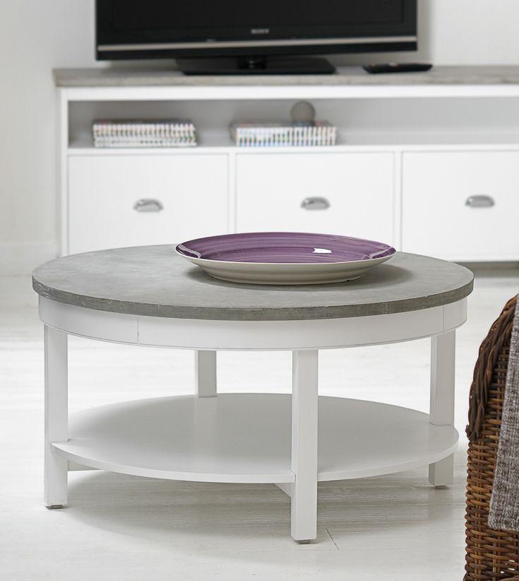Bruka Design. Vitt runt soffbord med cement top och en hylla 88 cm.