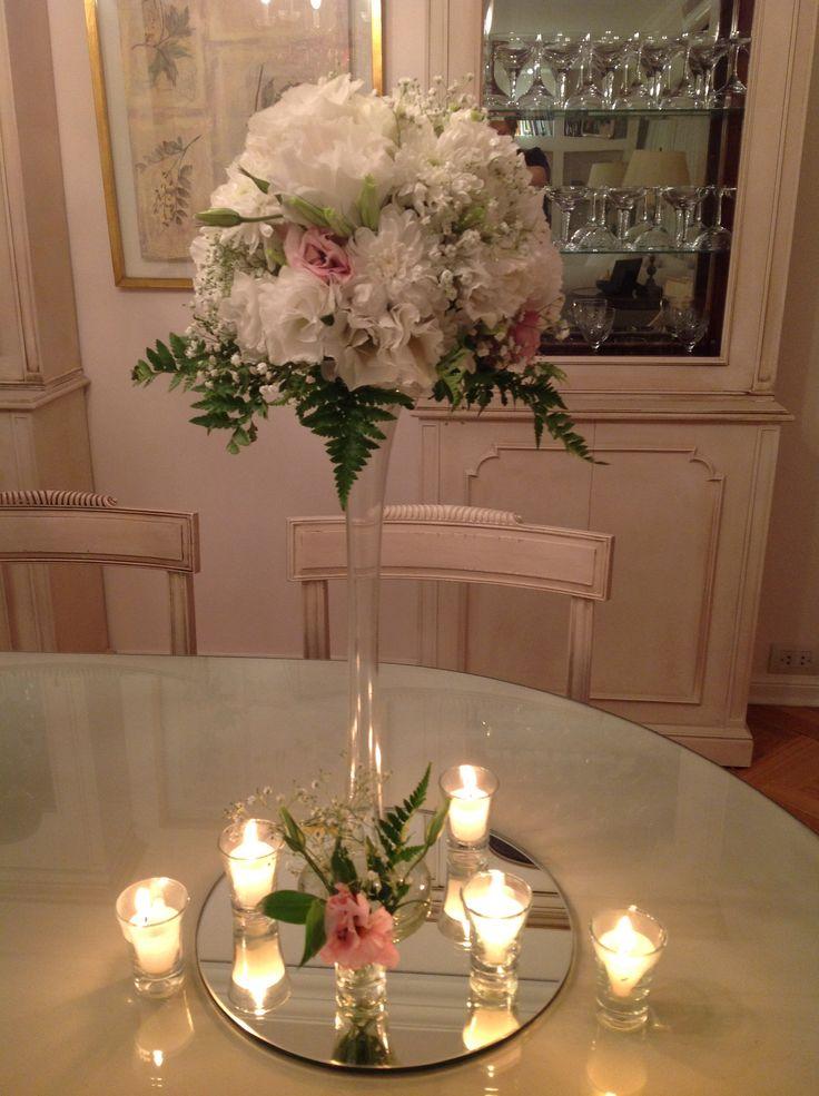 Arreglo floral alto con fanales
